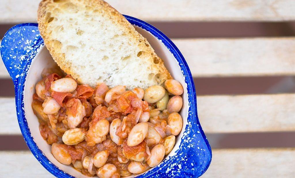 Fresh borlotti beans with tomatoes