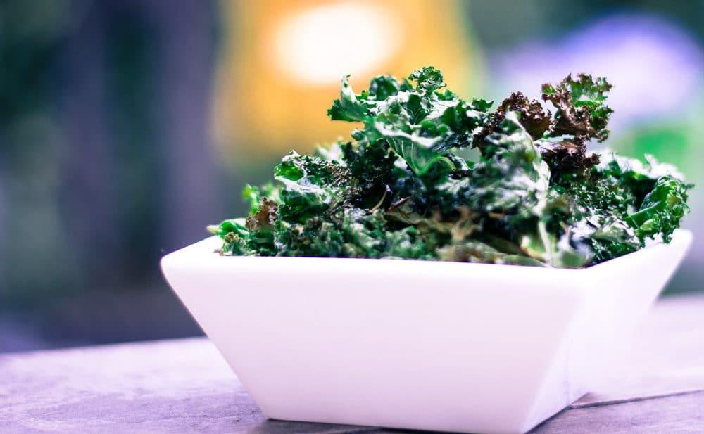Oven baked kale crisps
